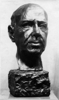 Retrato de Gerardo Sacristán modelado por Maricruz Castuera en 1964